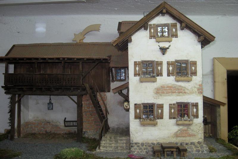 Krippenhaus mit Stall