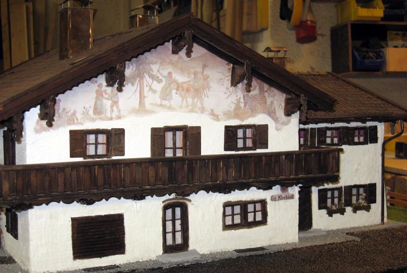 Modellbau  nach Original, von Oskar Langl,Nachbau der  Metzgerei Kleeblatt in Oberlaindern