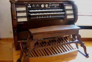 Orgelzentrum Valley Altes Schloss Orgelsaal Spieltisch Einsiedeln