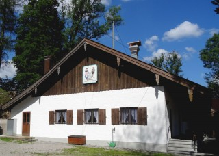 Trachtenvereinsheim der Schloßbergler Valley